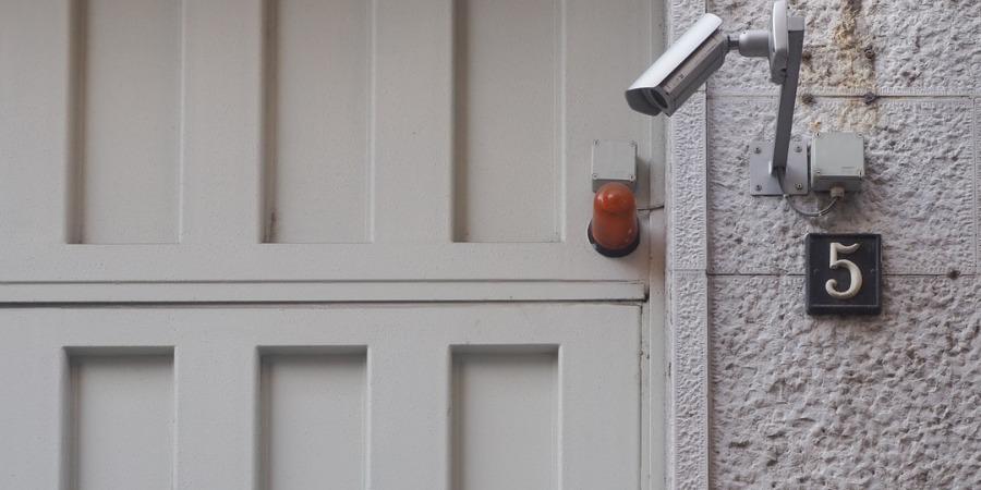 3 Outdoor Security Necessities for Summertime